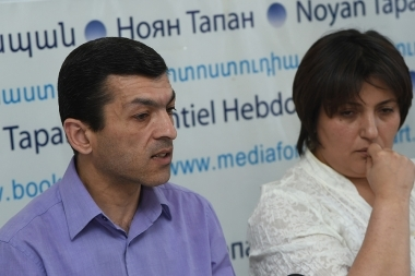 Head of the Helsinki Association for Human Rights Protection NGO Nina Karapetyants and advocate of the NGO Arayik Papikyan are guests in Noyan Tapan press club - Photolure News Agency