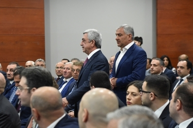 RA President Serzh Sargsyan and Samvel Karapetyan during the presentation of 'Tashir' Group of Companies' investment program at Radisson Blue Hotel - Photolure News Agency