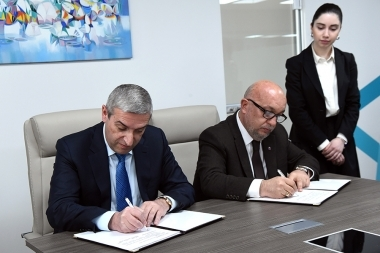 RA Minister of Transport, Communication and Information Technologies Vahan Martirosyan and founder of 'Technology and Science' company Vahan Shakaryan signed a memorandum of understanding at Erebuni Plaza BC - Photolure News Agency