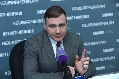 Member of the Russian Association of International Law Denis Dvornikoav gave a press conference at Novosti-Armenia press center - Photolure News Agency