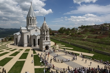 A round dance within the framework of the triple holiday took place near the area of the St. Ghazanchetsots Cathedral of Shushi, Artsakh Republic - Photolure News Agency