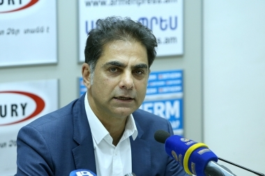 Co-chair of the coordinating council of the Armenian organizations of France, ARF bureau member Murad Papazyan is guest in Armenpress press club - Photolure News Agency