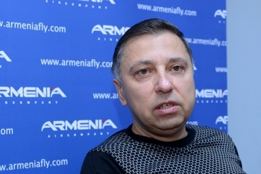 Director of 'Armenia' Airline Company Robert Oganesyan gave a press conference at the airline's office - Photolure News Agency
