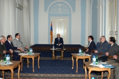 RA President Robert Kocharyan received the delegation of the People's Democratic Party of Armenia (PDPA) - Photolure News Agency