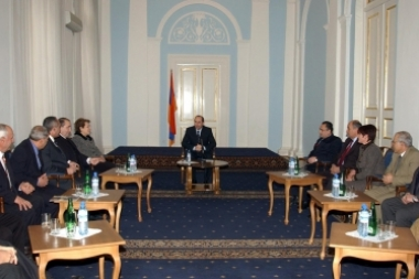 RA President Robert Kocharyan met with members of the political council of the Dignified Future political party - Photolure News Agency