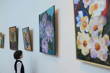Exhibition of twenty artists under the title of 'Flowers for Armenia' opened at HayArt Cultural Center - Photolure News Agency
