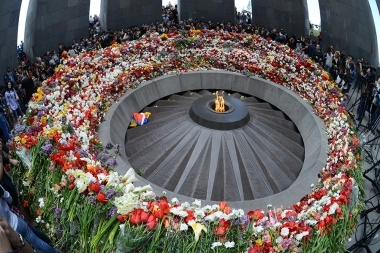 People visit the memorial complex of Armenian Tsitsernakaberd on the Genocide Memorial Day on April 24 - Photolure News Agency