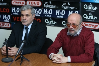 Chairman of the 'Christian-Democratic Rebirth party' Sos Gimishyan and Armenian National Movement's board member Hovhannes Igityan are guests in Hayeli press club - Photolure News Agency