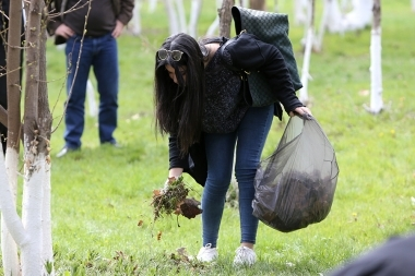 Citywide cleanup is officially held in Yerevan, Armenia - Photolure News Agency